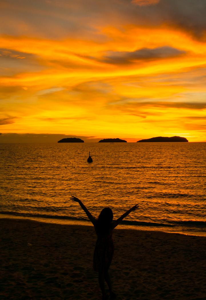 수트라하버 sunset-04224428.jpg