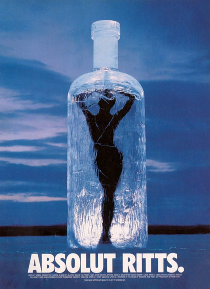 허브 리치 누드 Naomi Campbell Versace for Absolut, 1997.jpg
