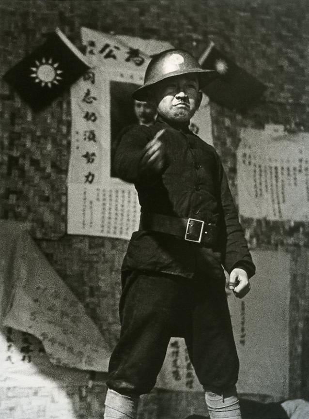 로버트 카파 (Rebert Capa) 1938 소년병.jpg