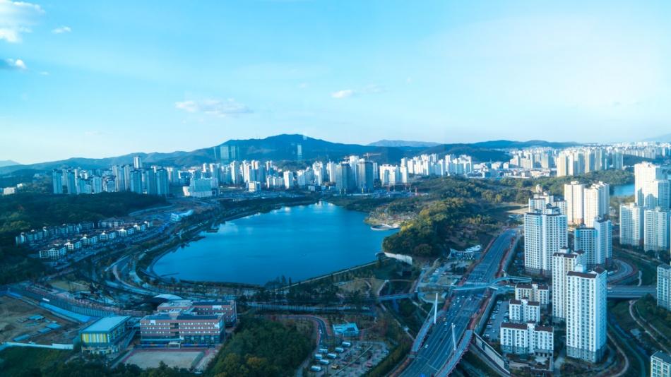경기 흥덕 IT밸리에서 바라본 풍경 - 광교호수공원-6533.jpg