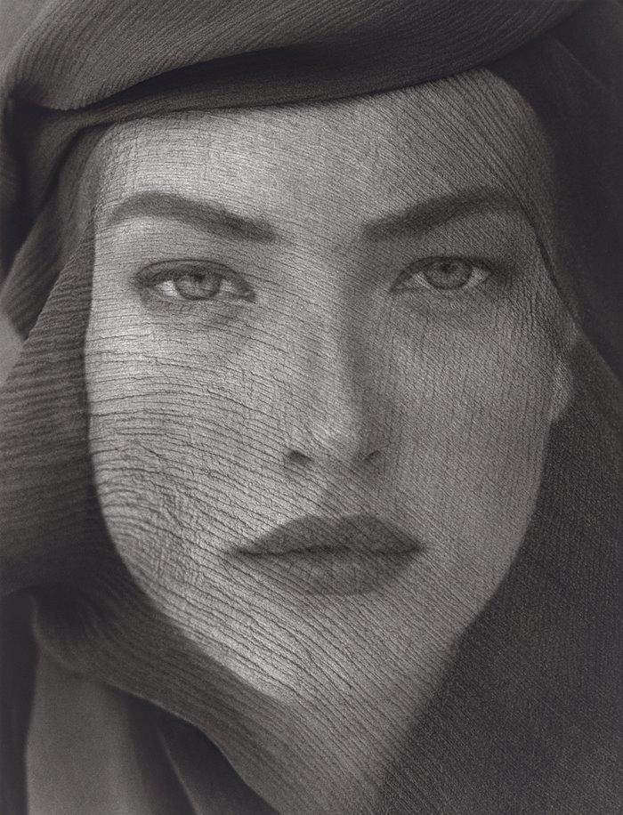 4-tatjana-veiled-head-tight-view-joshua-tree-1988.jpg