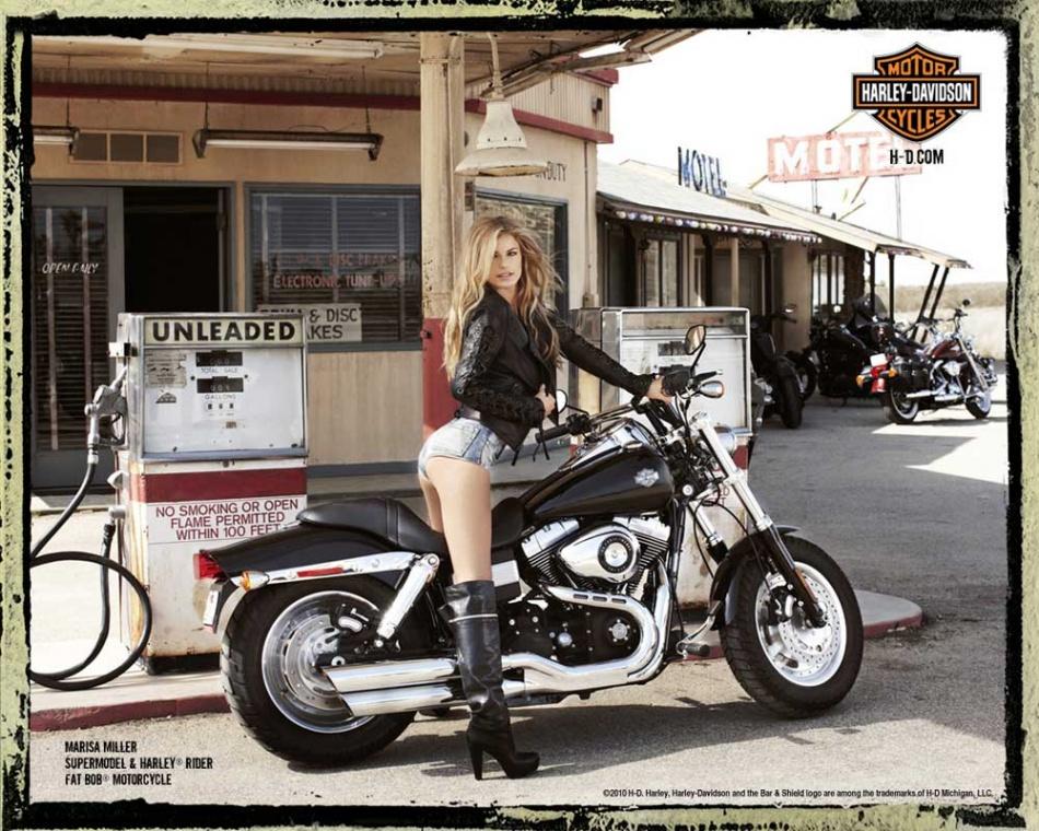 슈퍼모델 마르샤 밀러(Marisa Miller)Motorcycle-Girl-Photo-Supermodel-Marisa-Miller-on-a-Harley-Davidson-Fat-Bob-at-a-California-Desert-Gas-Station.jpg