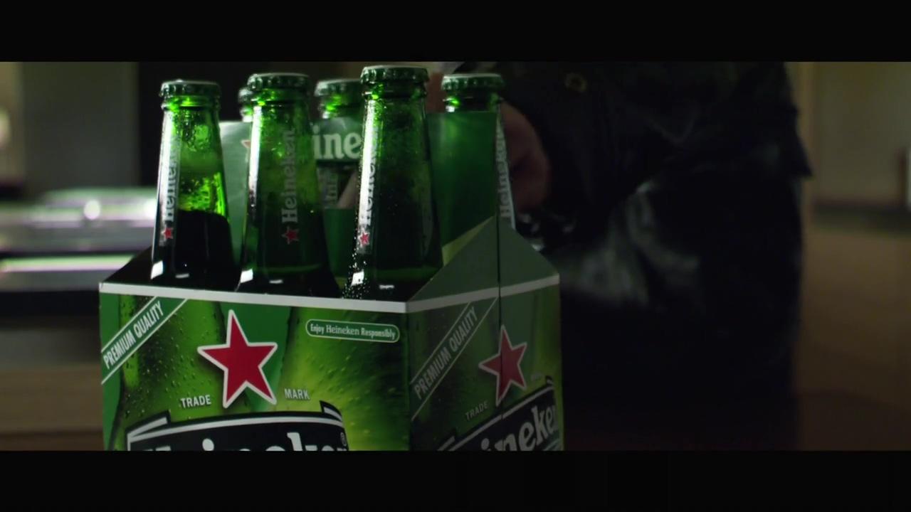Brad Pitt Heineken commercial(2005).mp4_20160403_122909.593.jpg