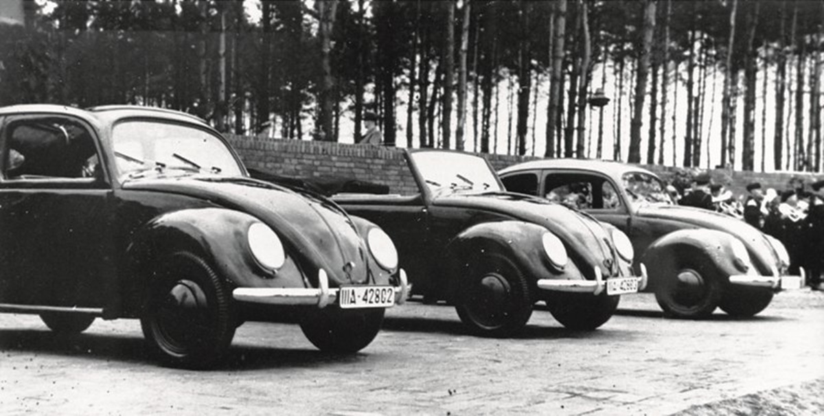 초기 폭스바겐(Volkswagen) 1938년도.jpg