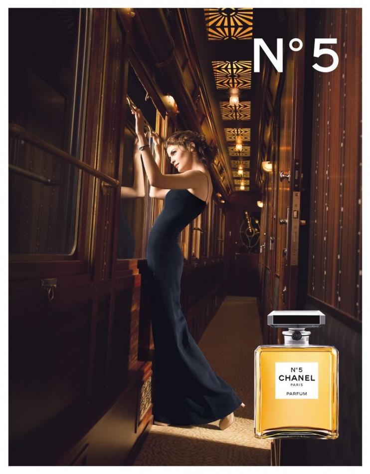 2009년 샤넬 No5 광고_오드리 토투(Audrey Tautou)를 모델로 도미니크 이세르만(Domonique Issermann)이 쵤영.jpg