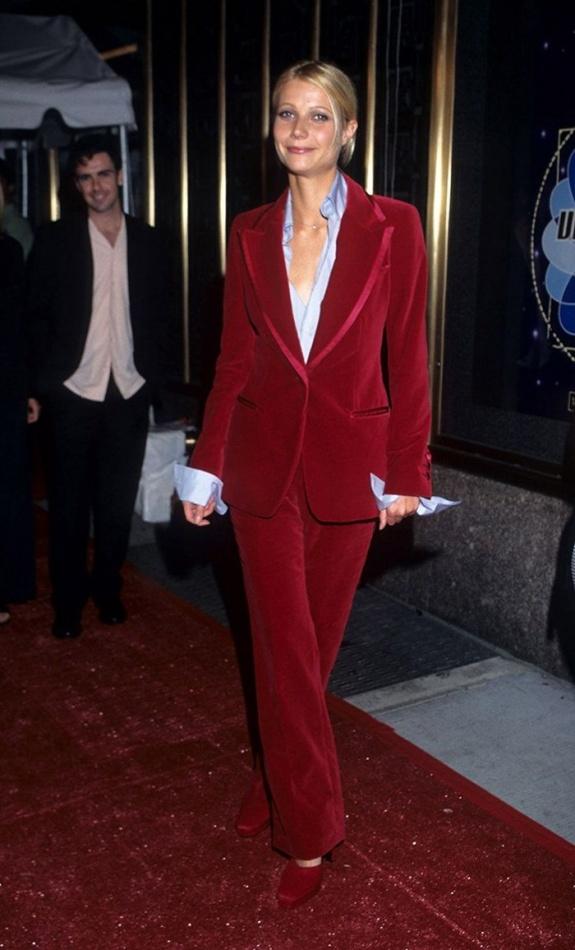 1996 MTV Video Music Awards에 출연한 기네스 페트로(GWYNETH PALTROW) Gwyneth Paltrow in Gucci - MTV Video Music Awards, 1996 Toms Ford, Gwyneth.jpg
