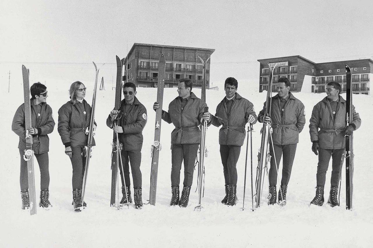 몽클레르(Moncler) 역사_1968년 프랑스 스키팀의 공식후원사가 되다 resize.jpg