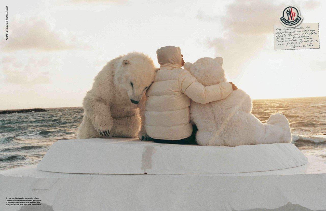 몽클레르(Moncler) 광고_Polar Bears Hug 2012_02 resize.jpg