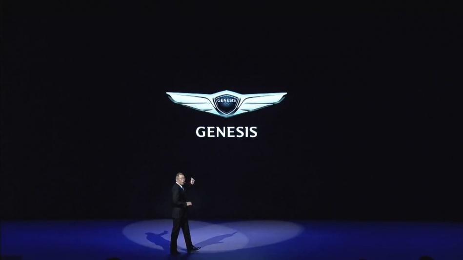 제네시스(GENESIS)] 런칭 배경 및 브랜드 정체성을 설명하는 정의선 부회장_20151106_004350.125.jpg