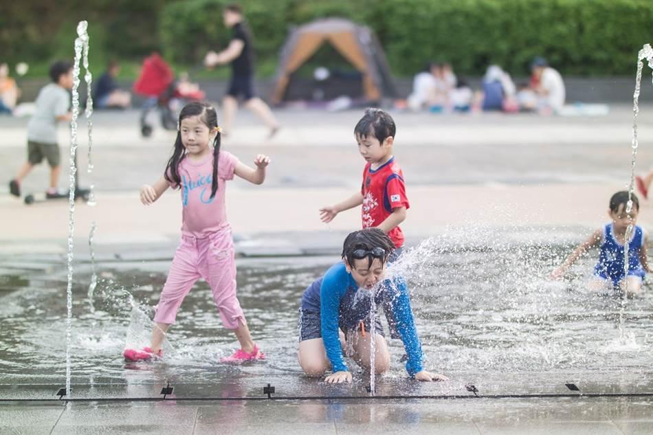 광교호수공원 풍경_물장난-6972