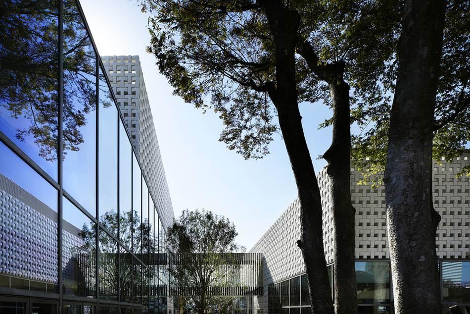 다이칸야마 츠타야서점을 설계한  Klein Dytham architecture에서 공개한 다이칸야마 츠타야서점 사진 이미지02_tsutaya_ccc_111027_030-01