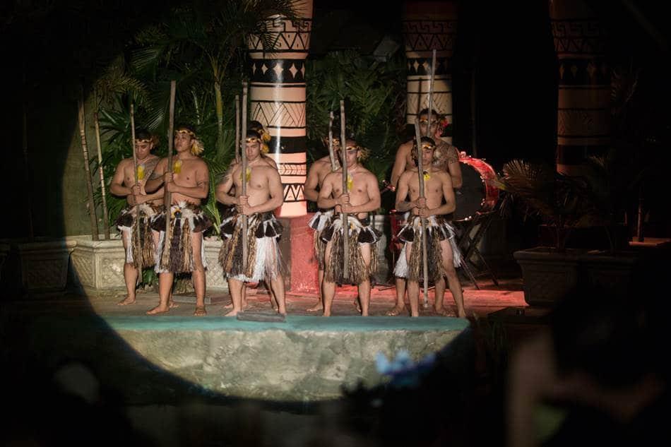 퍼시픽 판타지 디너쇼 (Pacific Fantasy Dinner Show) 장면
