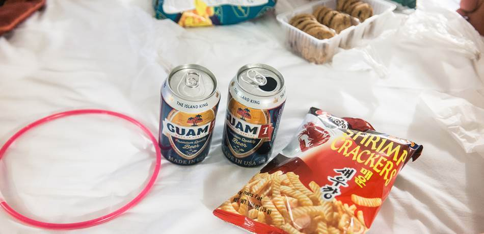 스플래시 다운 파티(Splash down Party)에 출발하기 앞서 괌 맥주 한잔