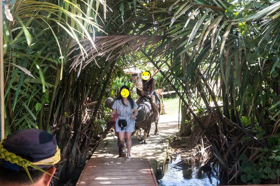 얼렁뚱땅 다녀온 괌(GUAM) 여행기 – 괌의 아름다움과 전통 문화가 가득한 정글 리버 쿠르즈(Riverboat Cruise) 57
