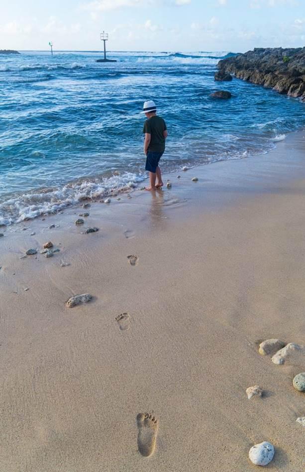 파세오공원 옆 바닷가, 바다로 들어가고픈 은결