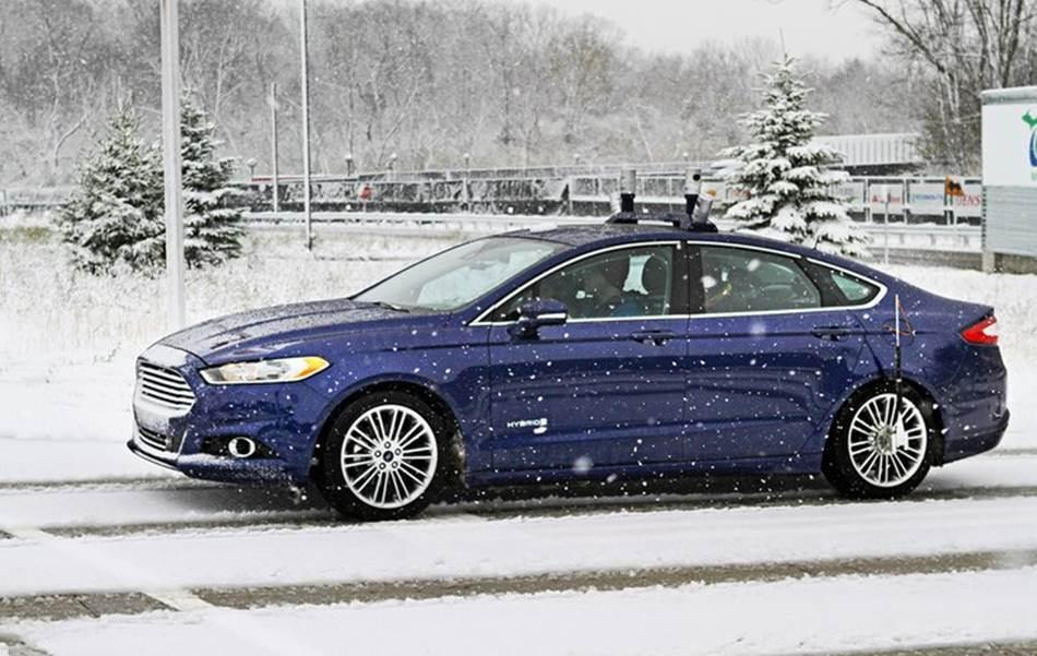 눈 내리는 환경에서의 포드 자율주행자동차 테스트_Snowtonomous_4693_Story-art