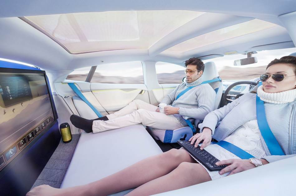 무인자동차 변화 모습_Rinspeed-XchangE-Concept-passengers-and-rear-entertainment-system