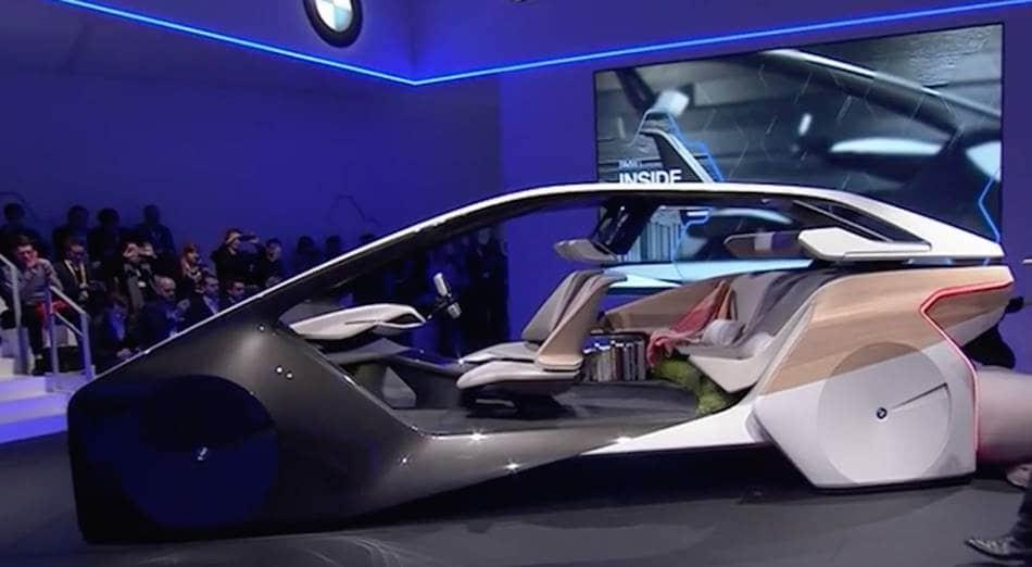 BMW가 2017년 CES에서 공개한 자율주행자동차 컨셉