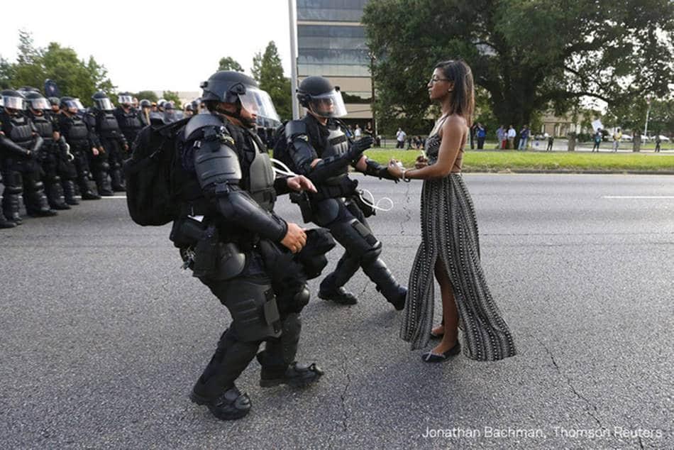 2017 WORLD PRESS PHOTO' Single 수상작 미국 경찰의 알톤 스털링 총격사건에 항의하는 아이에시아 에반스