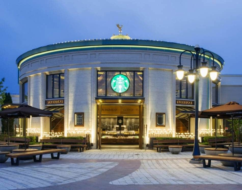 중국 상하이 디지니랜드 플래그쉽 스토아 Flagship Store at Disneytown in China