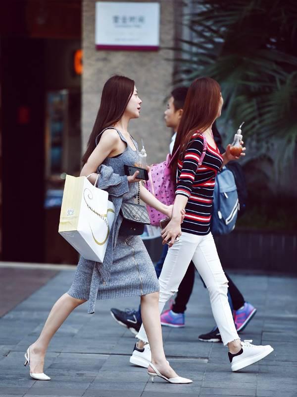 중국 젊은이 street-photography-1780393 솔로데이