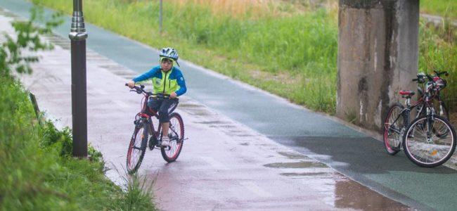 은결이와 봄비 맞으며 자전거를 달려보다 - 동백 호수공원에서 기흥역까지 신갈천을 따라 달리다.