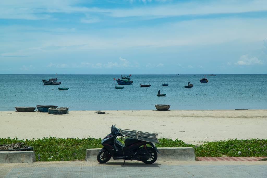 미케 비치해변 그리고 전통배 퉁버이(Thung Boi 바구니보트)