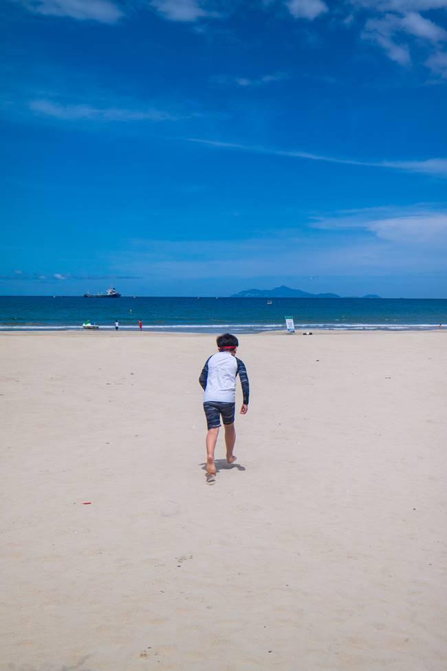 미키 비치(My Khe Beach)로 달려가는 은결 바다가 좋아-3389