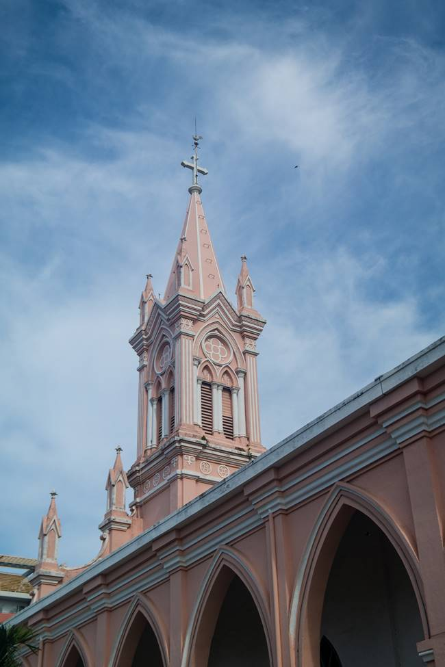 베트남 다낭 여행 - 다낭 대성당을 옆에서 바라본 풍경