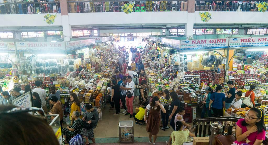 베트남 다낭 여행 - 다낭 한마켓 2층으로 오르는 계단에서 담아본 전경-3700