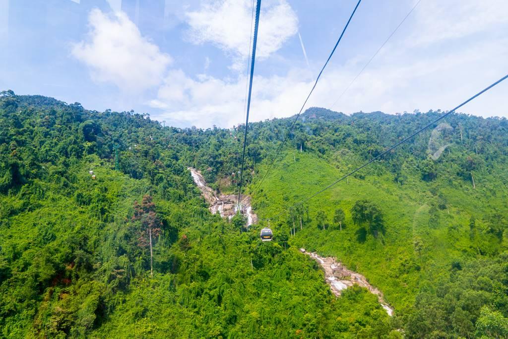 베트남 다낭 여행 - 바나 힐(Bana Hill) 케이블카에서 바라본 풍경 폭포를 보다