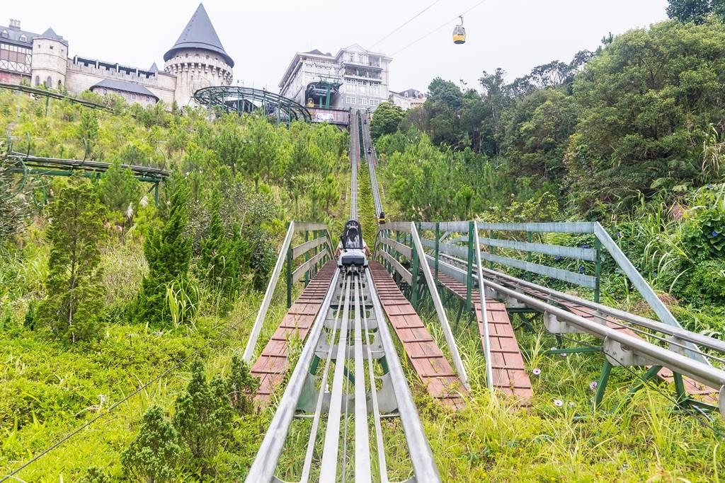 베트남 다낭 여행 - 바나 힐(Bana Hill) 모노레일 출발지로 돌아가는 구간에서