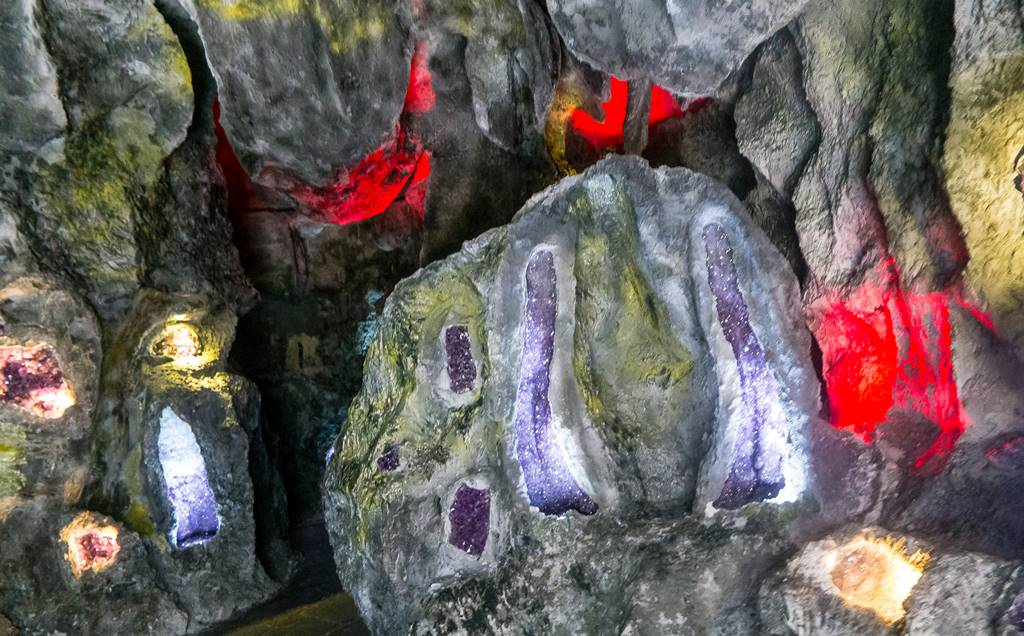 바나 힐(Bana Hill) 수정(Crystal) 전시관 풍경