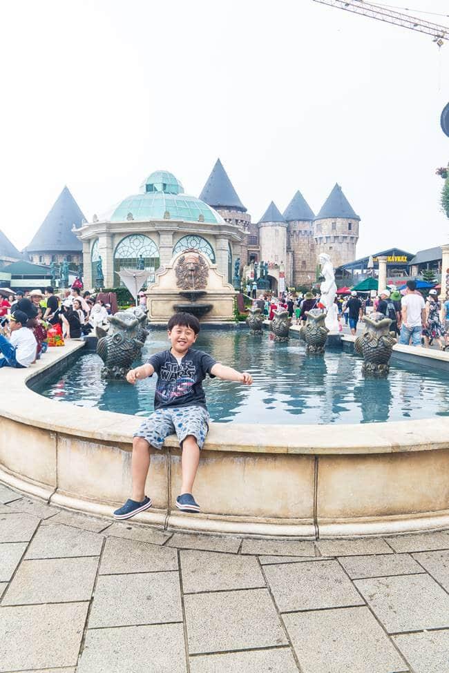 베트남 다낭 여행 - 바나 힐(Bana Hill) 광장 분수대