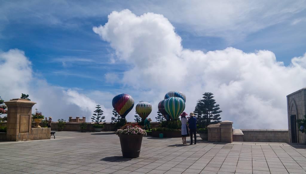 베트남 다낭 여행 - 바나 힐(Bana Hill) Happiy Garden에서 멋진 구름을 배경으로 담아보다