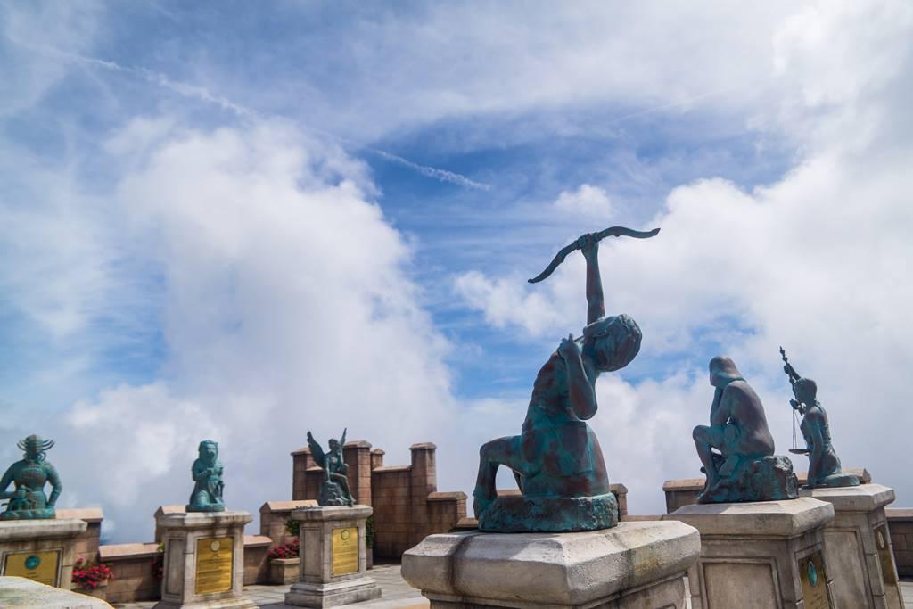 베트남 다낭 여행 - 바나 힐(Bana Hill) Happiy Garden에 세워진 동상들