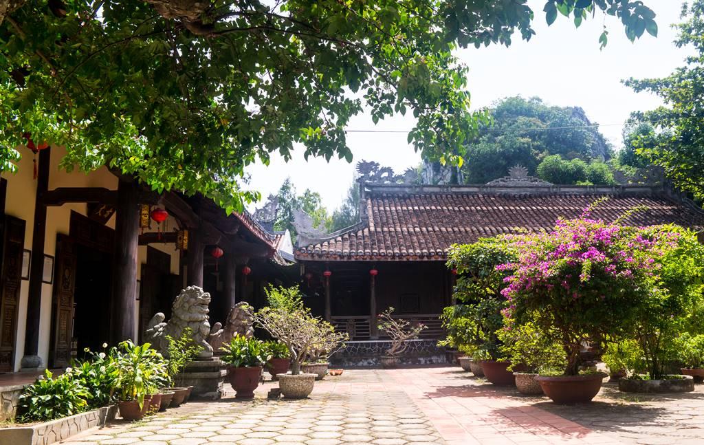 오행산(마블 마운틴) 삼태사(三台寺 추아 땀타이 Chua Tam Thai)