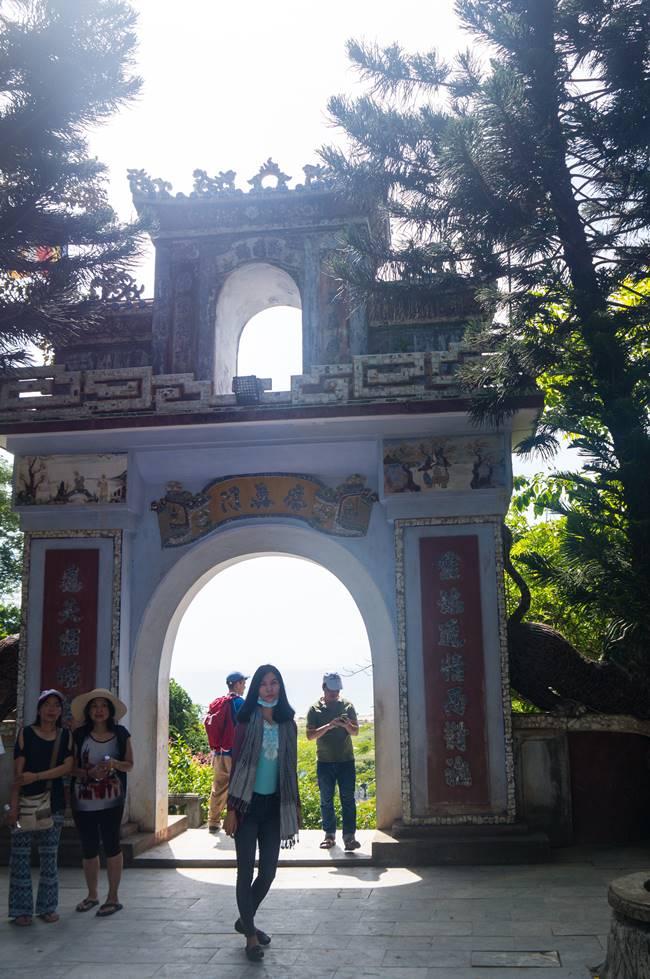 오행산(마블 마운틴) 링웅사(Chua Linh Ung, 靈應寺 영응사) 입구에 해당하는 영응문-5902