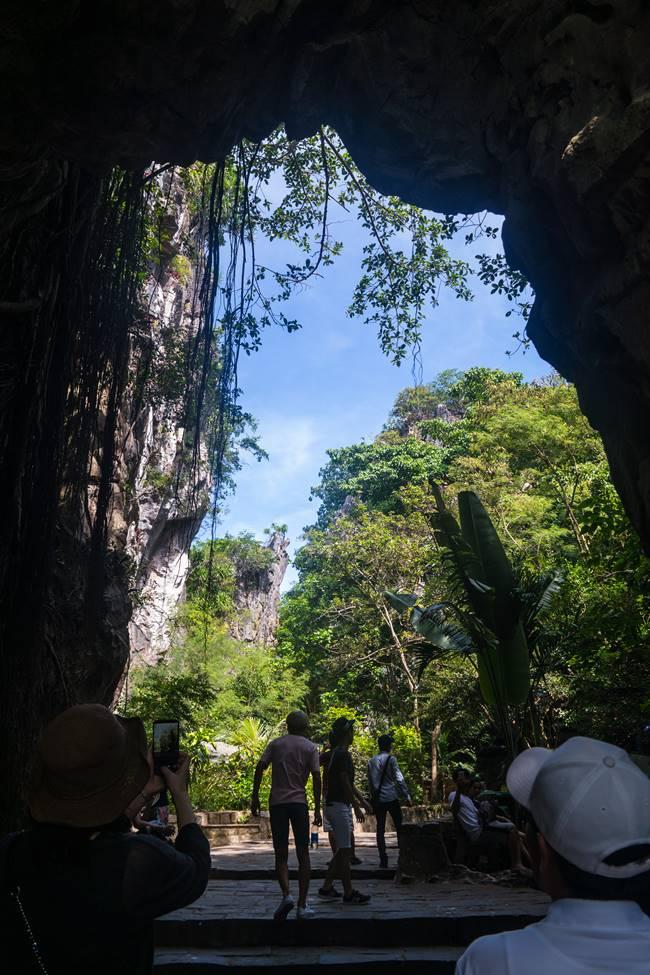 오행산(마블 마운틴) 장주동굴(Tang Chon Cave)을 지나-5927