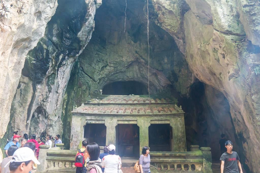 오행산(마블 마운틴) 장주동굴(Tang Chon Cave) 내부