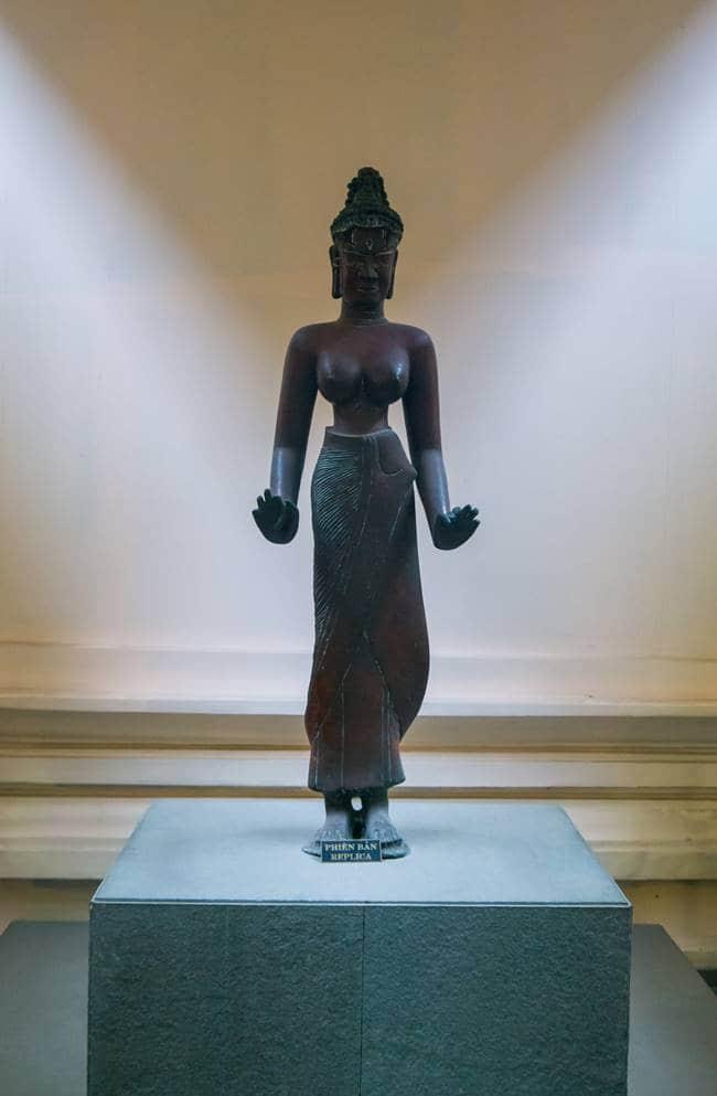 참 조각 박물관 - 타라 여신의 청동상-6219
