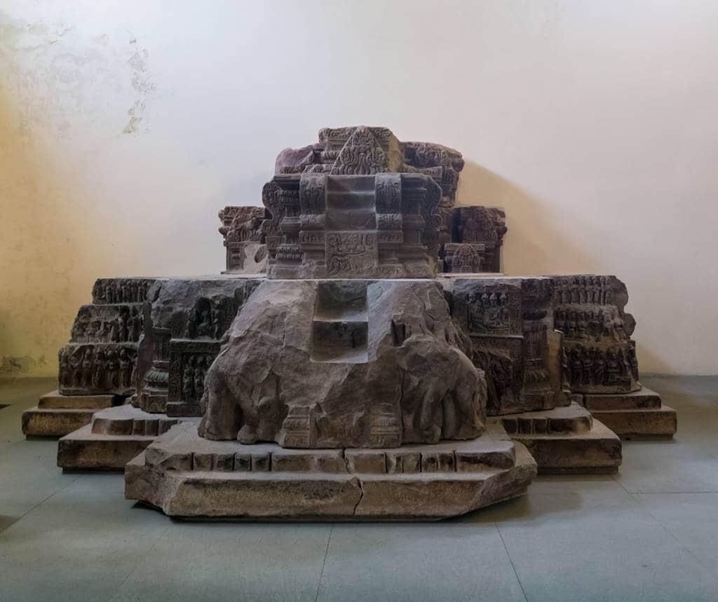 참 조각 박물관 조각품