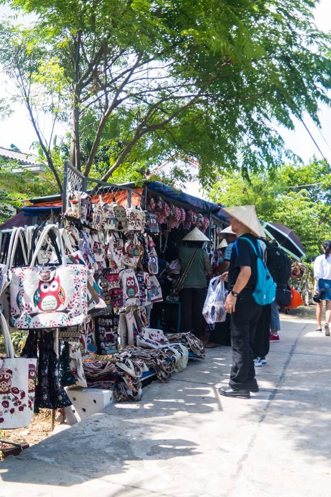 트남 다낭 여행 - 부엉이 모자를 파는 가게-4925