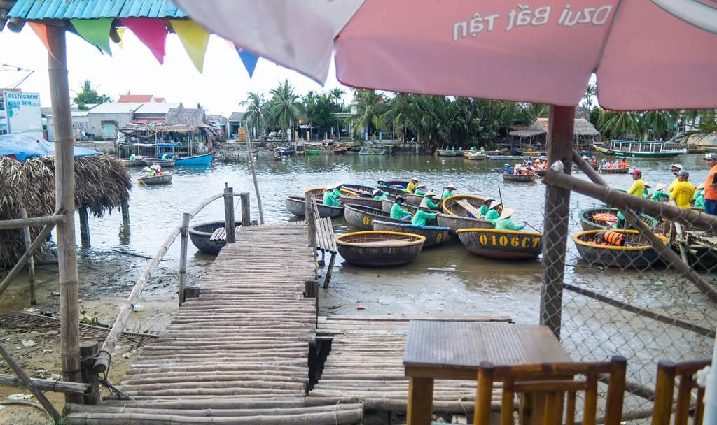 트남 다낭 여행 - 전통배 퉁버이(Thung Boi 바구니보트) 선착장