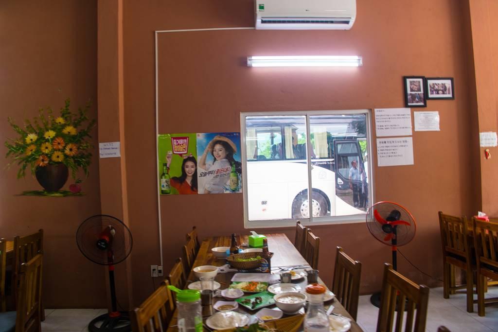 다낭 식당_한국인 운영 분짜 식당 HA NOI Xin Chao 내부