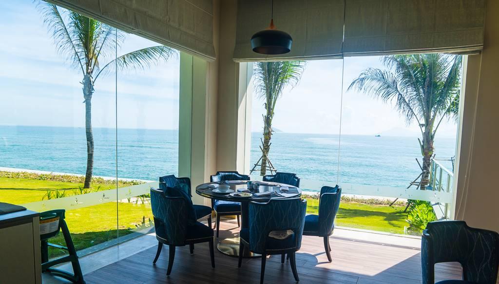 바다가 보이는 빈펄 호이안 식당