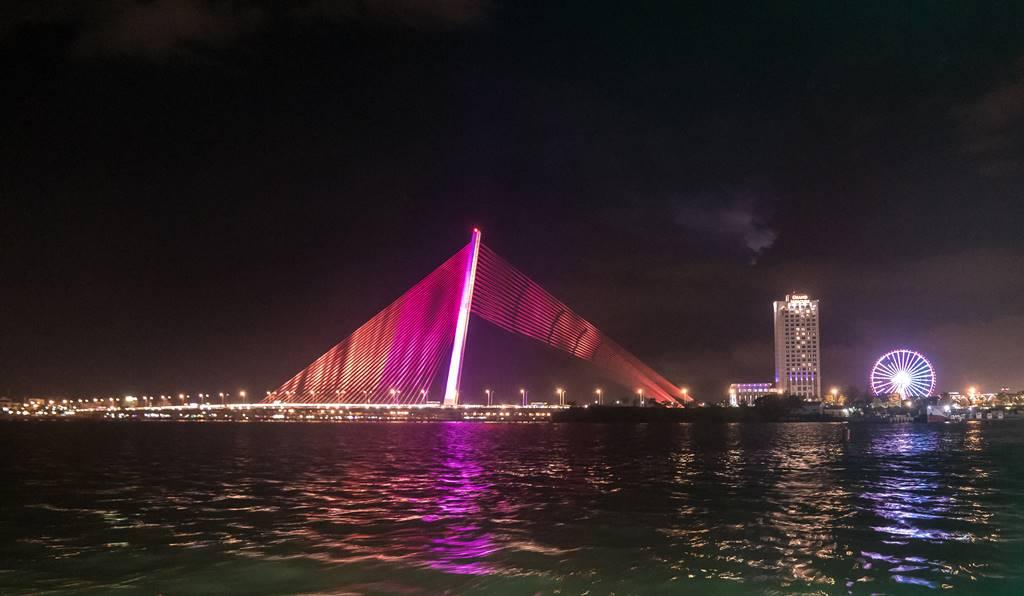 베트남 다낭 한강 쩐티리 다리 Cầu Trần Thị Lý 야경 03