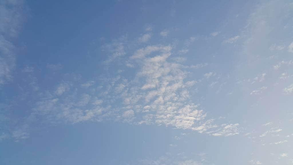갤럭시노트4로 담아본 하늘-165706 신갈천을 따라 자전거를 타던 중 바라 본 하늘