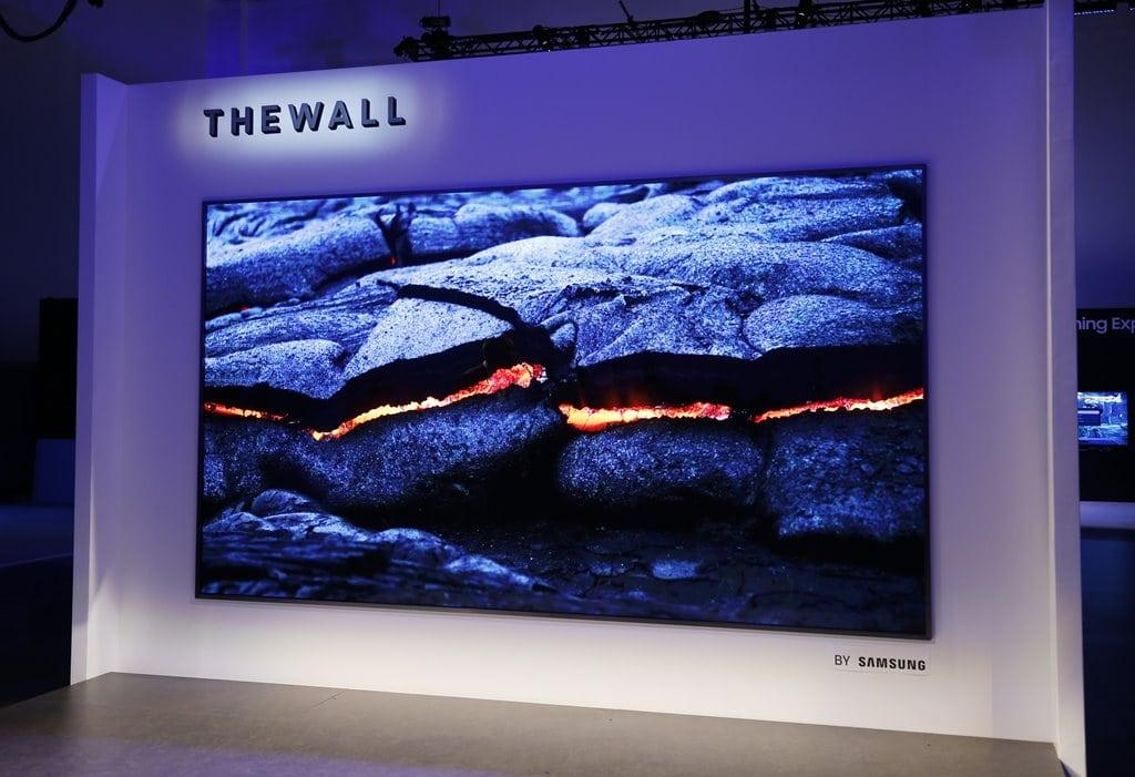 CES 2018에서 삼성이 발표한 마이크로 LED TV The Wall