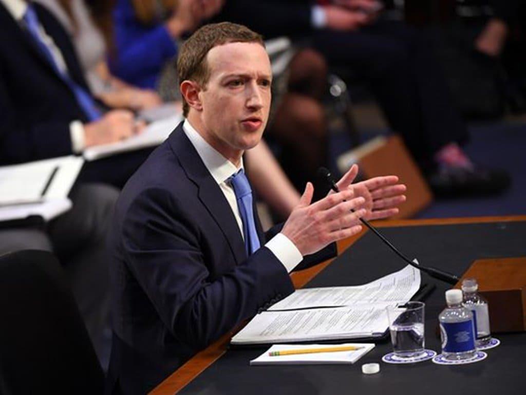 상원 청문회에서 증언하고 있는 마크 주커버그 이미지원 USP News-Mark Zuckerberg Facebook CEO Testimony